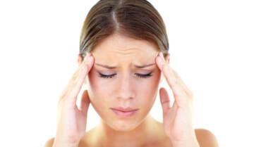Me duele la cabeza, escucho sonidos de hueso en mi cabeza… ¿qué me pasa?